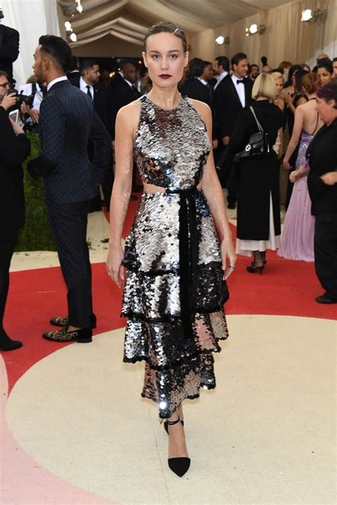 brie larson last name brie larson s bad bow at the 2016 met gala lainey gossip