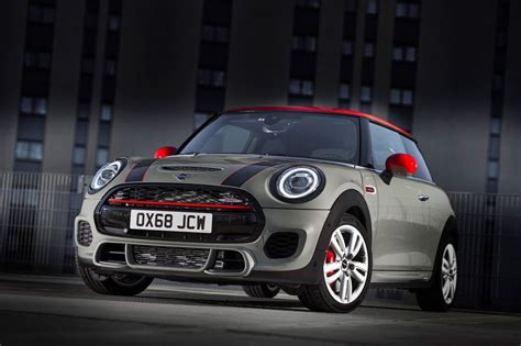 2019 Mini Jcw mini cooper works refreshed for 2019 evo