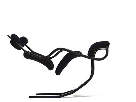 Gravity Balans Chair Cena by 要舒适也要自由 来自 1983 年的不倒椅 设计癖