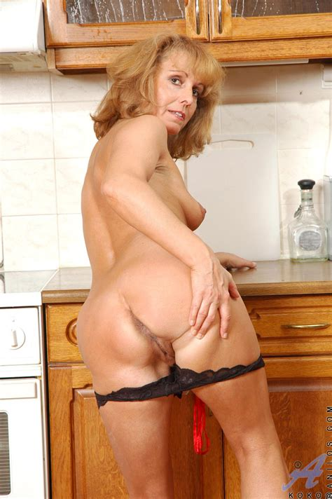 Old Pussy Or Ass Choose Here Mature Xxx Pics