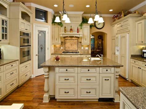 painting kitchen cabinets antique white painted antique white kitchen cabinets to paint antique