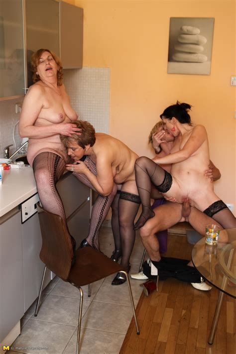 Single Moms Orgy Party