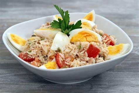 comment cuisiner des oeufs recette de salade de riz au thon à notre façon facile et