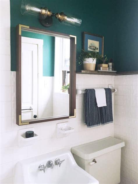 apt bathroom decorating ideas a reversible rental bathroom makeover 500