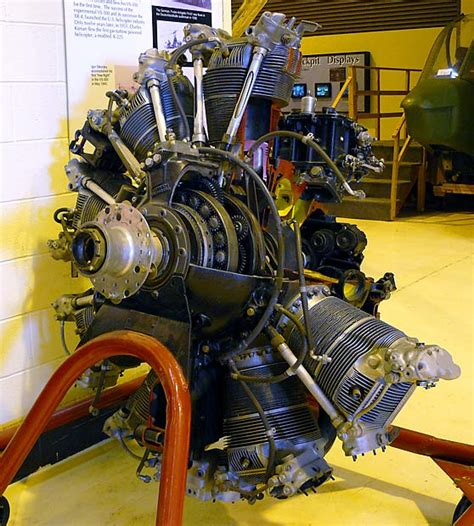 03 Curtiss Wright R1820