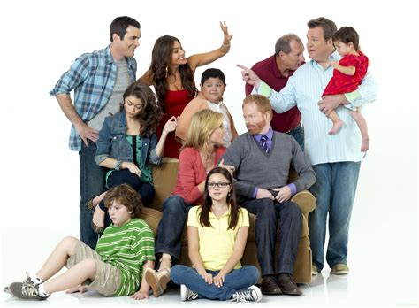 modern family modern family season 2 2 new cast promotional photos