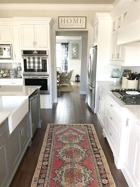 Making Your Pick Of An Elegant Kitchen Rug