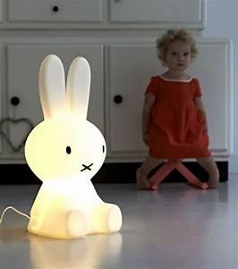 Lampe Veilleuse Enfant : lampe veilleuse lapin miffy ~ Teatrodelosmanantiales.com Idées de Décoration