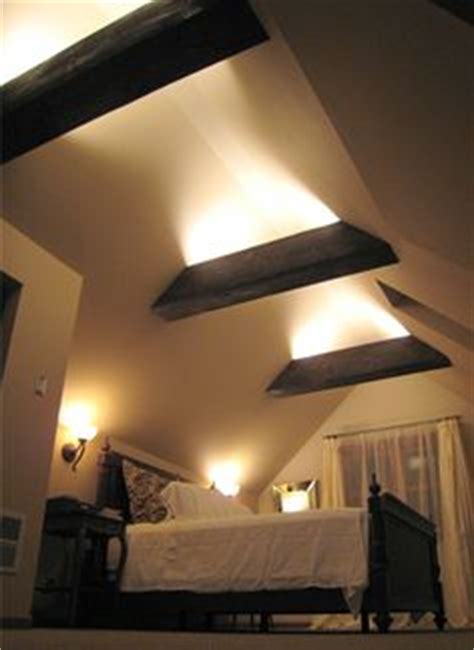 Indirekte Beleuchtung Balken by Track Lighting Installed To Wash The Vaulted Ceiling With