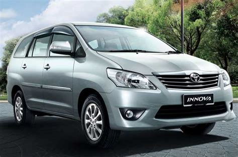 toyota innova variants  prices  major cities