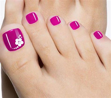 No sólo vas tendrás pies saludables, te sentirás bien al tener diseños los diseños cambian con respecto a las manos, pero los principios son los mismos. 60 Uñas decoradas para pies, diseños increibles | Imágenes Totales