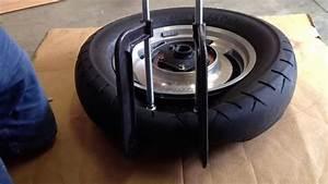 Machine A Pneu Moto : comment enlever et remplacer manuellement un pneu de moto ~ Melissatoandfro.com Idées de Décoration