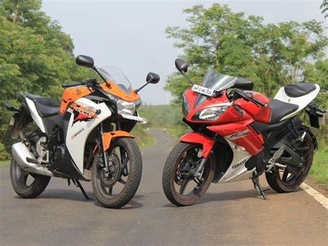 Cb 150r And Yamaha R15 by Honda Cbr 150r In Comparison With Yamaha R15 Vesrion 2 0