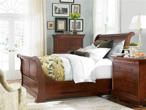 Thomasville Sleigh Bed by Thomasville Furniture King Cherry Sleigh Bed In