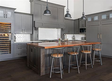 essential trends color  style forecast hardwood