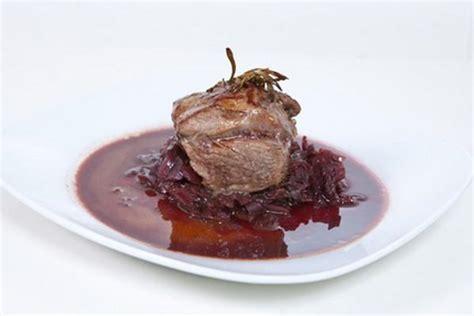 cuisiner biche recette pavé de biche sauce canelle vin purée céleri