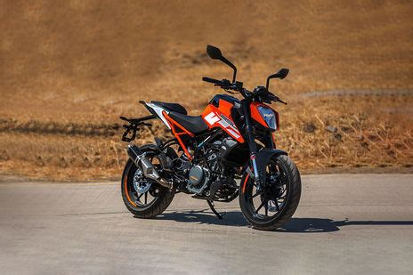 Ktm Duke 250 Backgrounds by Ktm 250 Duke Std Price Images Mileage Specs Features