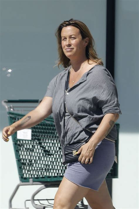 Alanis Morissette's former manager facing 23 years in ...