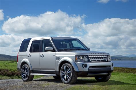 Land Rober by Comparison Land Rover Lr4 Suv 2015 Vs Land Rover