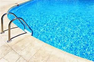 Kosten Swimmingpool Im Garten : ein swimmingpool im garten kosten vorteile und tipps das online gartenjournal ~ Markanthonyermac.com Haus und Dekorationen