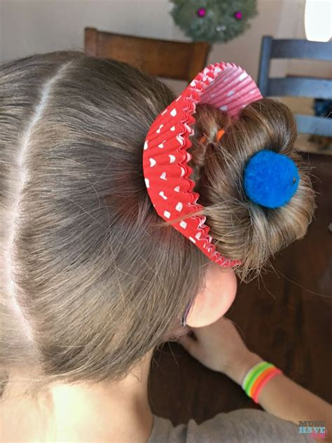 Easy Hairstyles For Hair Day by Hair Day Ideas Cupcake Hairdo For Mackenzie