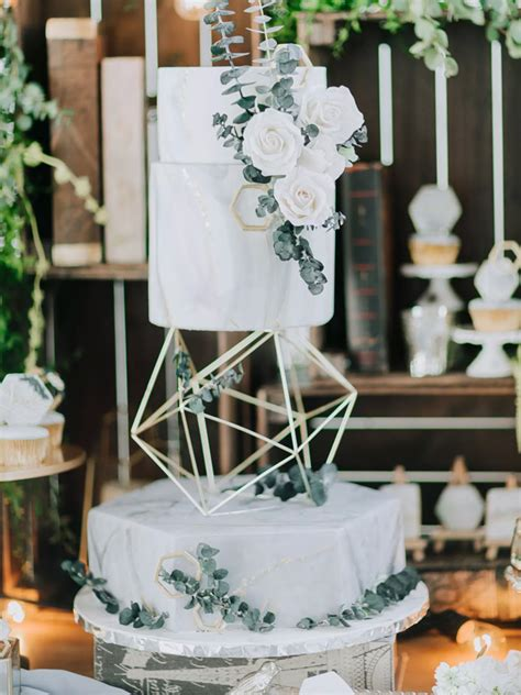 wedding cakes  love  biggest wedding cake trends
