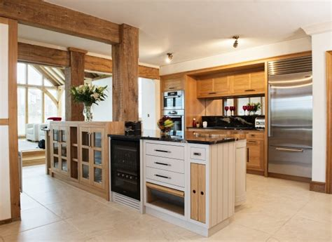 shaker beech kitchen cabinets oak beech painted shaker charnwood kitchens 5153