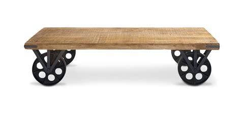 cuisine type industriel table basse vintage industriel à roulettes acier et bois