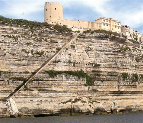 l escalier du roi d aragon bonifacio corse