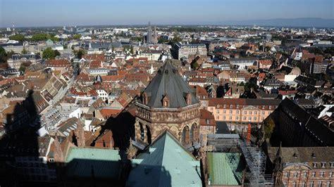 Un léger tremblement de terre a été ressenti à strasbourg où les murs des immeubles ont tremblé quelques secondes, ont constaté des journalistes de l'afp. Tremblement De Terre Strasbourg / Wqlhftt4udipnm - Le séisme, évalué à 3,3 sur l'échelle de ...