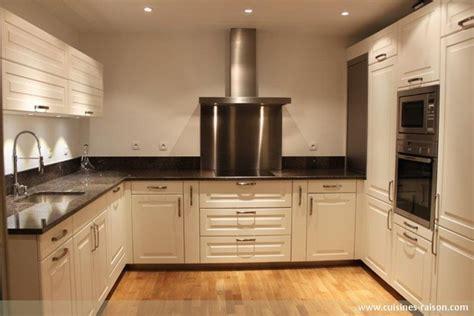 plan de travail en granit pour cuisine cuisine en u granit fonce 75 cuisines raison