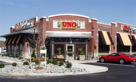 Uno Chicago Grill: About Uno