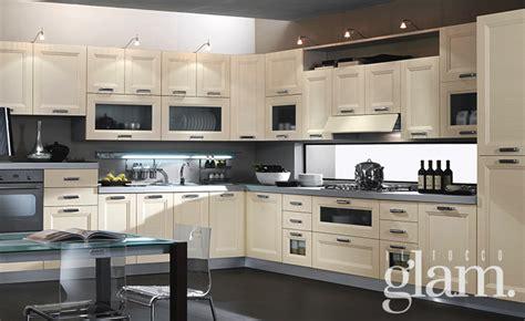 Illuminazione Led Cucina 5 Consigli Per Illuminare La Cucina Con Le Ladine Led