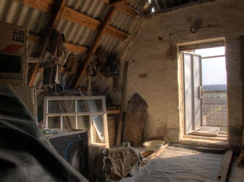 25 things in your attic 20 things to store in your attic boldsky com