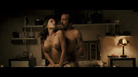 Elizabeth Cervantes Desnuda En El Infierno