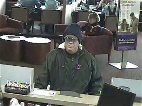 FBI offers reward for info on Duffel Bag Bandit bank
