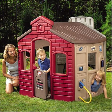 plastic indooroutdoor playsets playhouses  toddlers