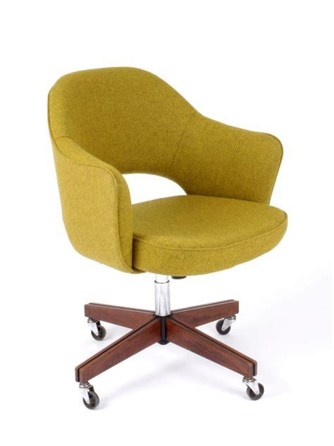 galerie alexandre guillemain artefact design saarinen eero fauteuil de bureau 71s dit