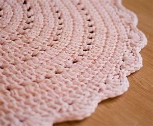 Baby Teppich Rosa : die 25 besten rosa teppich ideen auf pinterest aztekischer teppich rosa akzente und grauer ~ Buech-reservation.com Haus und Dekorationen