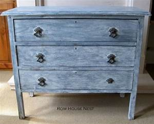 7 Whitewashed Furniture DIYs For Distressed Décor