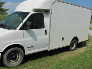 Buy Used 2002 Chevy G3500 Express 3500 12ft Cutaway  Box  Cube Van In Alpena  Michigan  United States