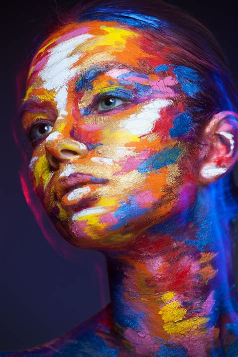 peinture visage femme moderne 2d or not 2d visages en 2 dimensions