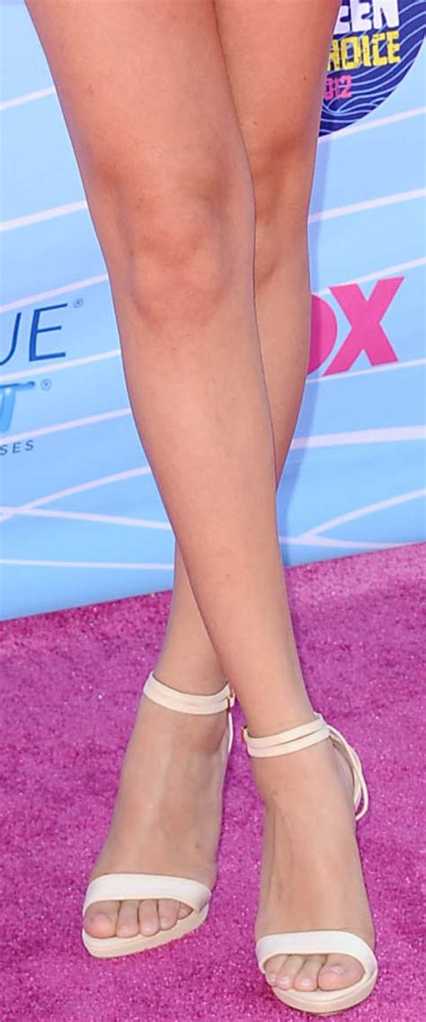 CelebrityGala: Selena Gomez Legs and Feet - Talks ...