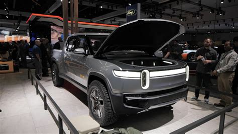 rt concept  rivian   electric truck weve