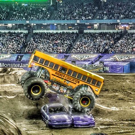 monster truck jam ta 10 reasons you should go to monster jam i don 39 t blog