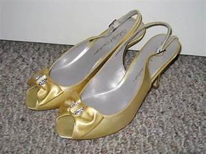 Canary yellow shoes | Wedding details | Pinterest | Yellow ...
