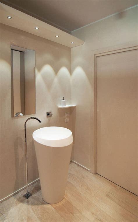 foto villa minimal bagno ospiti  studio