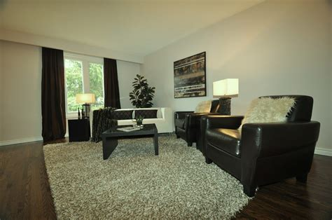 can you afford to rent furniture for staging your home in
