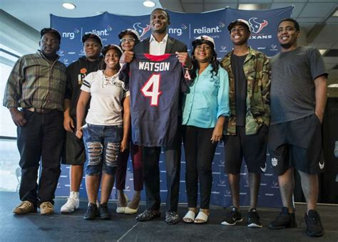 texans top draft pick deshaun watson  family
