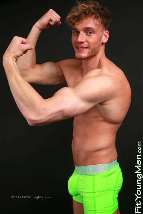 Fit Young Men Model Noah Miller Gym Tall Cheeky New Lad Noah Pumps Shows Off His Muscles